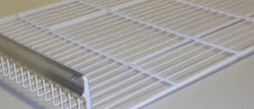 Bottom rack for refrigerated counter